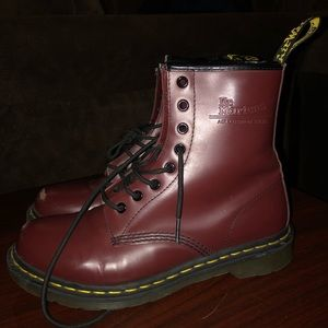 Womens Dr. Martens 1460 8-Eye Boot SIZE 10
